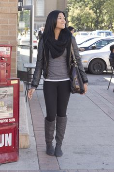 love the all black ad grey with just a little pop of white in the tank top <3