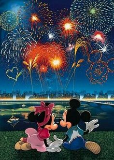 Love is in the air... Mickey and Minnie fireworks Disney