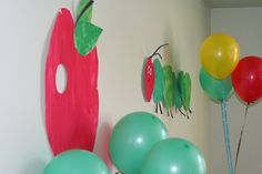 The adventures of tader baby: Decorations... very hungry caterpillar party!