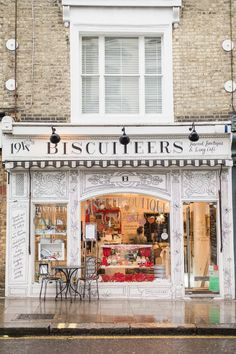 Biscuiteers icing café, London on a rainy day