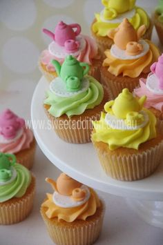 Tea pot and tea cups cupcakes  #kitchentea #hightea #madhatters