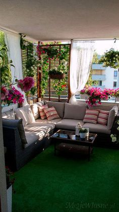 16 Ideas Apartment Patio Plants Home For 2019 Small Balcony Decor, Balcony Plants, Patio Plants, Balcony Design, Small Patio, Balcony Ideas, Patio Ideas, Plants Indoor, Garden Plants