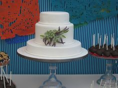 gumpaste succulents and chilies. I used Alan Dunn's chili pepper. Succulent Wedding Cakes, Succulent Cakes, Cake By The Pound, Chili, Round Wedding Cakes, Cake Central, Different Cakes, Fondant Flowers, Fondant Cakes