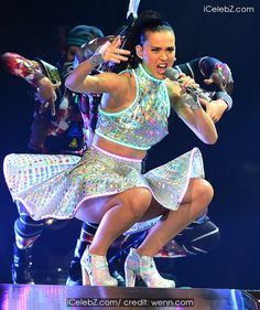 Katy Perry  performs live in concert at the Prudential Center http://icelebz.com/events/katy_perry_performs_live_in_concert_at_the_prudential_center/photo2.html