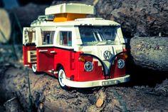 LEGO-10220-Volkswagen T1 Camper Van