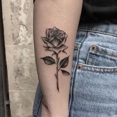 Feed Your Ink Addiction With 50 Of The Most Beautiful Rose Tattoo Designs For Men And Women - KickAss Things - black & gray rose tattoo © Manila Nanna Single Rose Tattoos, Rose Tattoos For Women, Tattoo Designs For Women, Tattoos For Guys, Tattoo Women, Tattoo Guys, Trendy Tattoos, Unique Tattoos, Black Tattoos