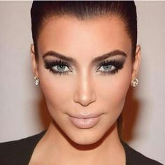 Minus the tacky contacts...her makeup is flawless and freshly put together, #nude lip #Smokey eye #contour