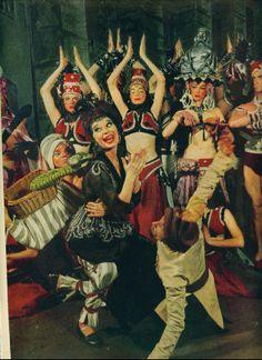 CAROL CHANNING Farm Girl - Vamp  New show on Broadway, Carol Channing in The Vamp 1955