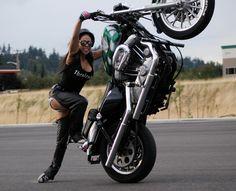 Drea Stunts toe drag the Harley