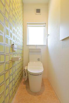 滋賀県草津市で 注文住宅を施工しております。太陽住宅㈱ 『木を愉しむ家』 #おうちカフェのような家 #リビング #おしゃれ #カフェ #造作 #マイホーム #暮らし #ダイニング Toilet Room, Bathroom, Home Decor, Washroom, Hall Bathroom, Decoration Home, Room Decor, Full Bath, Bath