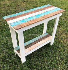 Re-cycled wood pallets entryway table is economical craft. Its simple and plain design creates soothing and captivating surroundings. Its beauty is stored in its simplicity and delicacy hence making it perfect furniture for your living area. The combo over its upper part can be replaced according to your required flavor.