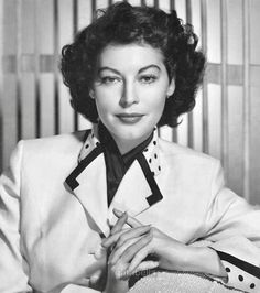 Old Hollywood Movies, Hollywood Actor, Golden Age Of Hollywood, Vintage Hollywood, Hollywood Glamour, Classic Hollywood, Ava Gardner, Iconic Women, Famous Women
