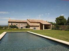 Le Mas aux oliviers Département : Vaucluse (84)  Nombre de couchages : 10  Nombre de chambres : 5