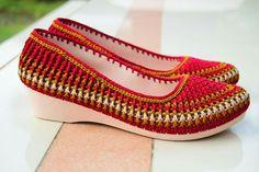Crochet Shoes, Crochet Slippers, Knit Crochet, African Attire, Pumps, Heels, Crochet Projects, Printing On Fabric, Macrame