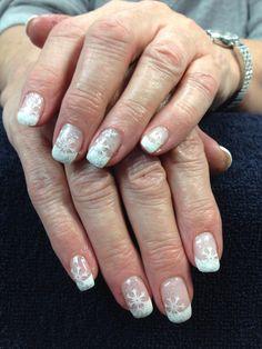 Dale's nails. Sparkling snowflakes. Gel nail art.