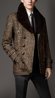Burberry - Tweed-Peacoat #bobbinmonsieur