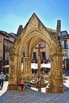 Praça da Oliveira, no Centro histórico de #Guimarães #Portugal
