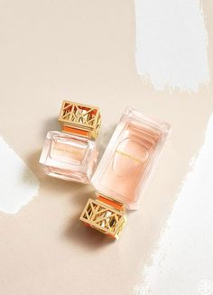 Tory Burch Beauty. Our first fragrance – florals and citrus, anchored in vetiver.