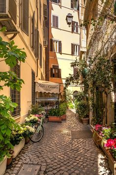 European Summer, Italian Summer, Italian Men, City Aesthetic, Travel Aesthetic, Summer Aesthetic, Places To Travel, Places To Go, Living In Italy