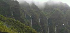 Morning rain creating waterfalls, Windward Side (Kaneohe), Oahu (photo: BCM)