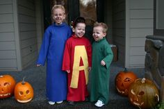 How cute would it be if my boys dressed like this for Halloween! They would never let me do this to them though.....wish I had thought of this a few years ago when I really had a say.