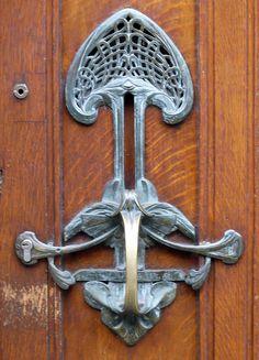 ❤ - Victor Horta (1861-1947) - Door Handle. Bronze. Circa 1904.