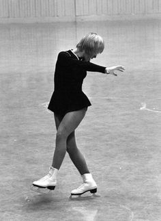 Compulsory School Figures Return to Figure Skating in August, 2015: 1972 Olympic Figure Skating Bronze Medalist Janet Lynn - Judge 2015 World Figure Championship