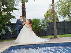 Wedding photo ideas | Poolside | Fun wedding photos | Melbourne wedding venue