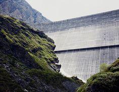 Des barrages provoque des inodation pour aller dans des villes. Au lieu beaucoup d'habitats serais détruits. Beaucoup de personnes auront pas de maisons a vivre dedans. Plein de personnes pourait pas survivre.