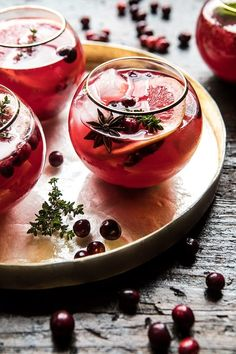 Cranberry Thyme Spritz: uses elderflower liquor, sweetened with honey, hints of thyme, extra festive + pretty. Dairy Free Thanksgiving Recipes, Thanksgiving Drinks, Christmas Drinks, Holiday Cocktails, Holiday Recipes, Summer Cocktails, Cocktails 2017, Christmas Christmas, Half Baked Harvest