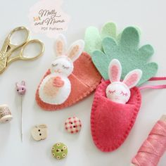 Sewing Tips 296674694198650787 - FELT BUNNY PDF Pattern – 'Bitty Bunnies' Easter pattern; mini rabbit with felt carrot sleeping bag, necklace, embroidery, sewing Source by Pdf Sewing Patterns, Embroidery Patterns, Etsy Embroidery, Softies, Sewing Crafts, Sewing Projects, Easy Projects, Sewing Tutorials, Felt Projects