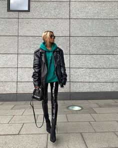 Awesome 34 Gorgeous Winter Street Style Outfit Ideas For Women Source by fashionfullfit fashion edgy Mode Outfits, Fall Outfits, Fashion Outfits, Womens Fashion, Fashion Trends, Fashion Fashion, Fashion Watches, Stylish Outfits, Fashion Ideas