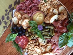 (Perfect pairing with a wine tasting for Family Night) Wine And Cheese Party, Wine Tasting Party, Veggie Platters, Cheese Platters, Yummy Appetizers, Appetizer Recipes, Wine Recipes, Cooking Recipes, Charcuterie Platter
