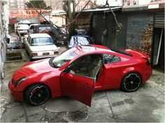 Infiniti G35 Coupe (red)