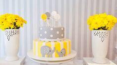 Chá de fraldas amarelo e cinza Bolo elefante amarelo e cinza Baby shower grey and yellow Elephant cake