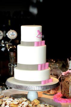 Baby shower cake. Made by Yolanda Gampp.