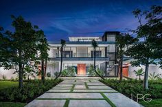 """Lifestyle Production Group on Instagram: """"New Tour de Force Modern architectural deepwater estate in The Sanctuary by Steigerbuilt, LLC and cutting-edge Miami-based…"""" House Goals, Tours, Mansions, Architecture, House Styles, Modern, Instagram, Home Decor, Arquitetura"""