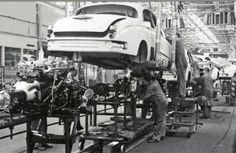 Classic Car News Pics And Videos From Around The World Jaguar Daimler, Assembly Line, E Type, Automobile, Motor Car, Cars Motorcycles, Classic Cars, Jaguar Cars, Around The Worlds