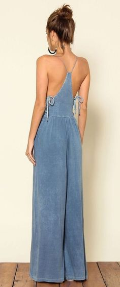 80 Gorgeous Racer Back Light Blue Faux Denim Side Tie Wide Legged Jumpsuit Style Outfits, Mode Outfits, Summer Outfits, Jumpsuit Outfit, Denim Jumpsuit, Dungarees, Jumpsuit Style, Overalls Outfit, Denim Overalls