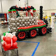 Balloon Display, Balloon Garland, The Balloon, Balloon Cupcakes, Large Balloons, Thomas The Train, Gift Baskets, Event Planning, Backdrops