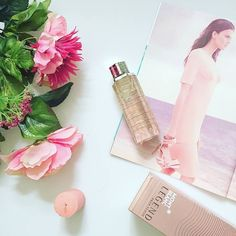 Pink perfection! Loving this delicate #fragrance from #montblanc . Notes of pineapple and tonka bean accent the white musk and lavender. Feel like an everyday princess! Link in bio #montblanclegend #parfum #springscent #flowers #beauty #bblogger #perfume #pretty #lookbook #myfavoriteperfume #candle #romantic #woman #beautiful