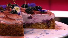 Brombær- og skovbærkage er en lækker dansk opskrift af André Nabulsi  fra Go' morgen Danmark, se flere dessert og kage på mad.tv2.dk