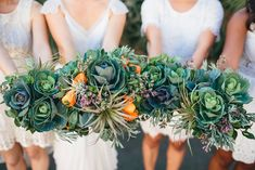 Cool eco friendly wedding with fruit and veggie bouquets and centerpieces l Image by Parkershots l Rock My Wedding