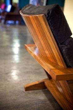 "bolsa! abril 6, 2009 Em ""Essa é boa"" Boneco do Coringa é igualzinho a Heath Legder em miniatura janeiro 20, 2009 Furniture Making, Wood Furniture, Furniture Design, Outdoor Furniture, Patio Design, Sofa Design, Chair Design Wooden, Mid Century Modern Furniture, Porch Swing"