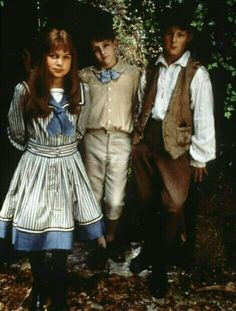 Kate Maberly (Mary Lennox), Heydon Prowse (Colin Craven) & Andrew Knott (Dickon), The Secret Garden directed by Agnieszka Holland The Secret Garden 1993, Secret Garden Book, Gardening Direct, Organic Gardening, Gardening Services, Gardening Tips, Kate Maberly, Holland, Portraits