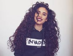 Credit : @gizlrodrigues #️⃣ Tag #CurlsGoals to be featured #Curly #Hair #CurlyHair #Curls #Goals #curlsgoals #beauty #Perfect #perfect #perfectcurls