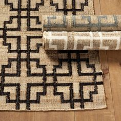 Our Bowery woven Area Rug is handwoven of natural hemp over a wool/cotton ground, giving the stylish geometric pattern rich texture and dimension. Because this rug is woven with natural fibers, expect slight variations in colors. Round Wood Coffee Table, Trellis Design, Floral Bedding, Ballard Designs, Indoor Outdoor Rugs, Grey Rugs, Carpet Runner, Floor Rugs, Rugs On Carpet