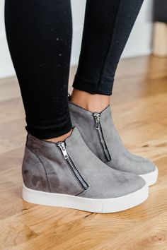 wedges outfit jeans The Danielle Grey Wedge Sneakers High Top Sneakers, Sneakers Mode, Sneakers Fashion, Fashion Shoes, Grey Sneakers, High Heels, Womens Wedge Sneakers, Wedged Sneakers, High Top Wedge Sneakers