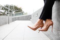 Christian Louboutin Peep Toe Pumps : Christian Louboutin Outlet USA Cheap Christian Louboutin Shoes