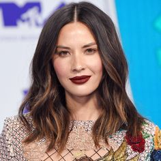 The 5 Hair Colors You'll See Everywhere This Fall - hair style Current Hair Trends, Hair Trends 2018, Fall Hair Colors, Cool Hair Color, Spring Hairstyles, Cool Hairstyles, Hair Color 2018, Medium Hair Styles, Long Hair Styles